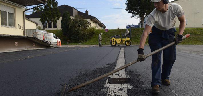 concrete vs asphalt driveway
